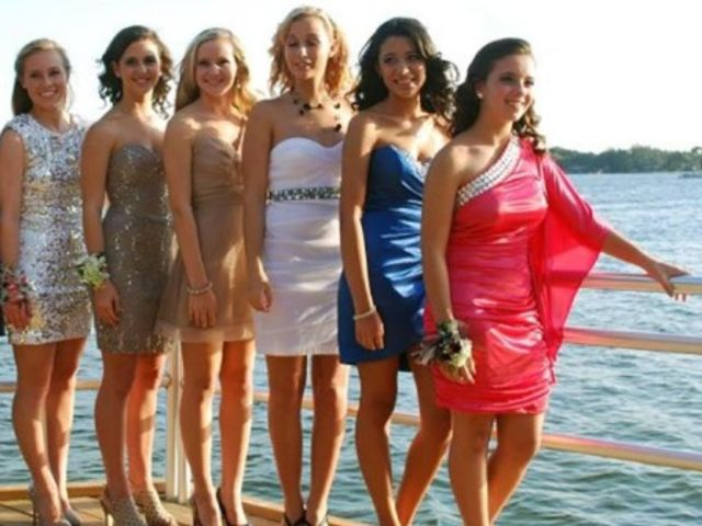 Which homecoming dress should you wear playbuzz how would you like to go to homecoming sciox Gallery