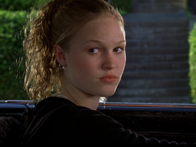 Julie Stiles' 10 Things I Hate About You character is Kat Stratford!