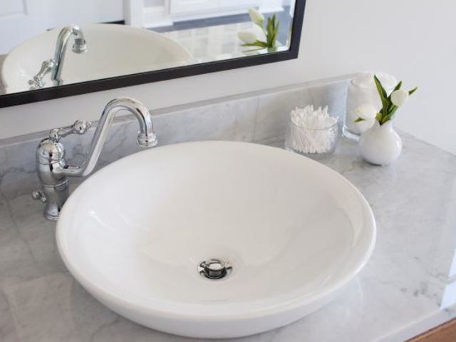 What kind of sink is pictured here?