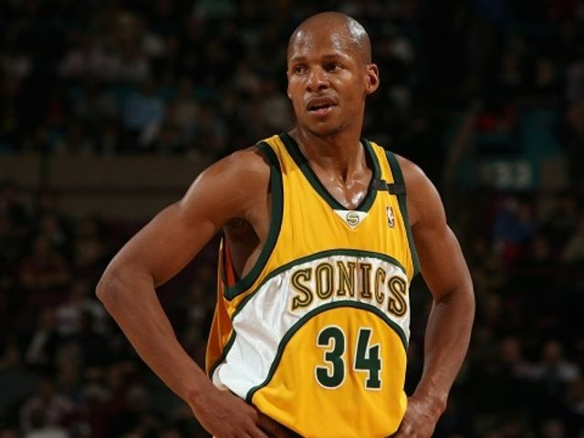 Ray Allen got traded to the Sonics in 2003, who traded him?