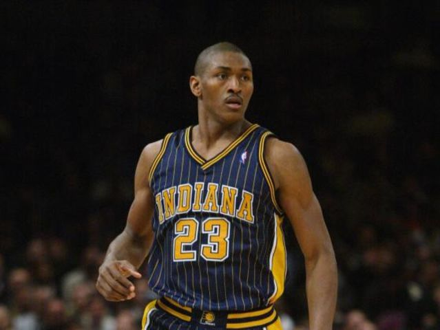 Ron Artest got traded to the Pacers in 2002, who traded him?