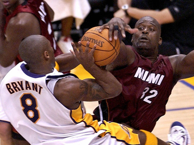 Who had the upper hand when Kobe face Shaq for the first time since their breakup on Christmas Day 2004?