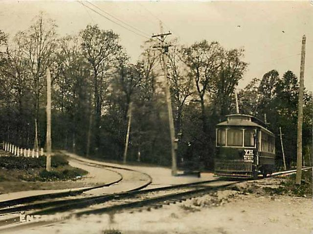 In 1902, York Haven Street Railway Co. ran a trolley through the borough. What park was a popular destination?