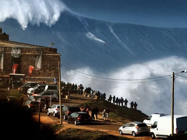 These are real waves near the city of Nazaré, in Portugal.