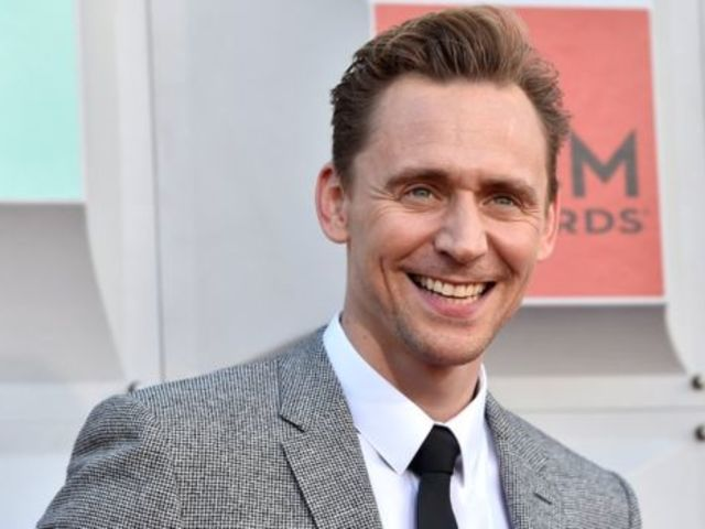 Which sign was Tom Hiddleston born under?