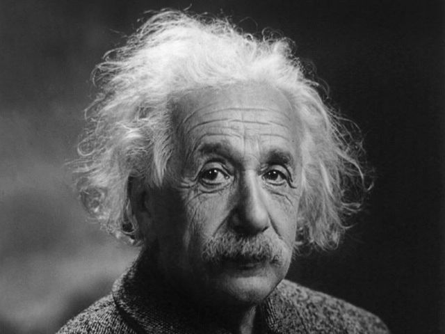 What year did Albert Einstein discover his theory of relativity?
