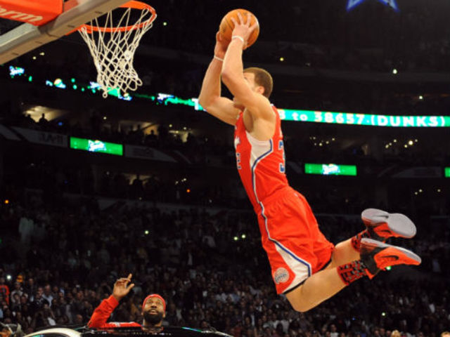Which Player Is The Youngest To Win Slam Dunk Championship