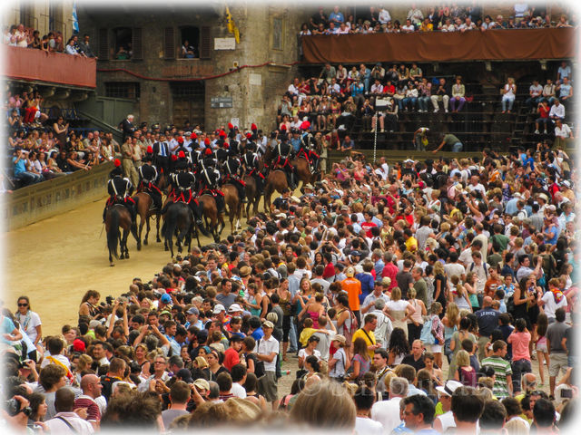 This famous horse race is held where in Italy?