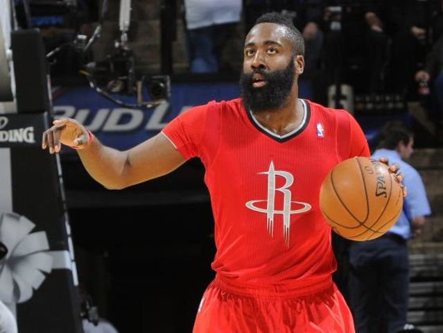 As of 2017, what is the most points that James Harden has scored in a Christmas Day game?