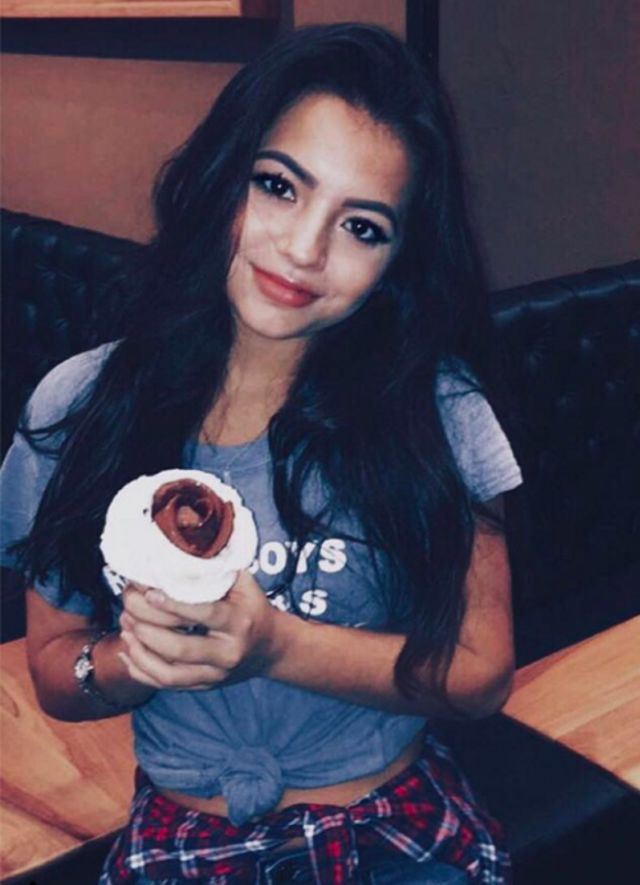 That eyeliner tho 💯 How has filming been so far? @isabelamoner ❤ •#