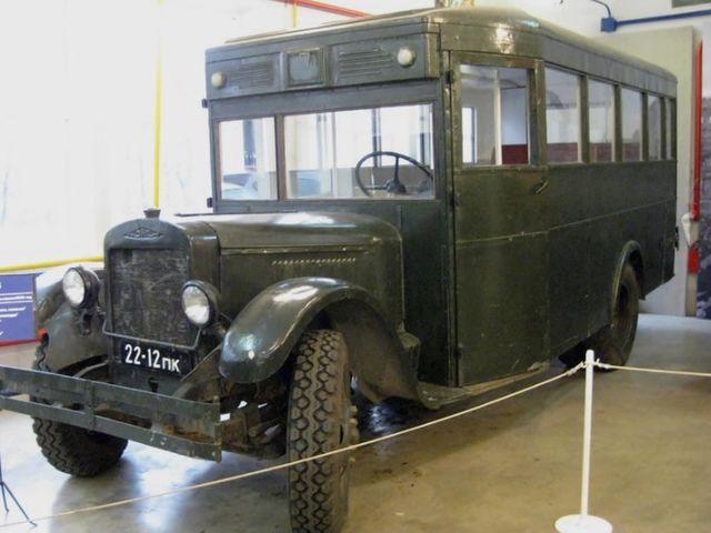А этот микроавтобус снимался в одном из самых известных советских фильмов.