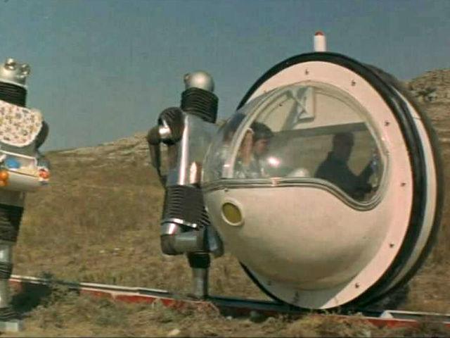 Угадай отечественный фильм с необычным транспортным средством.