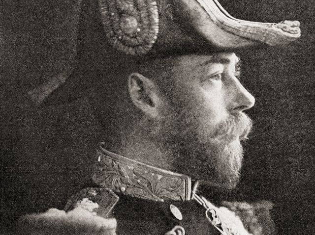George V had a tattoo of what on his arm?