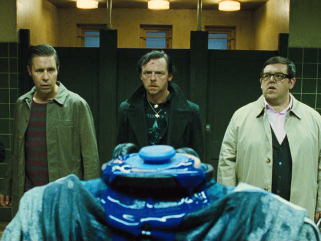 "In ""The World's End,"" at which pub did Gary first discover the robots?"