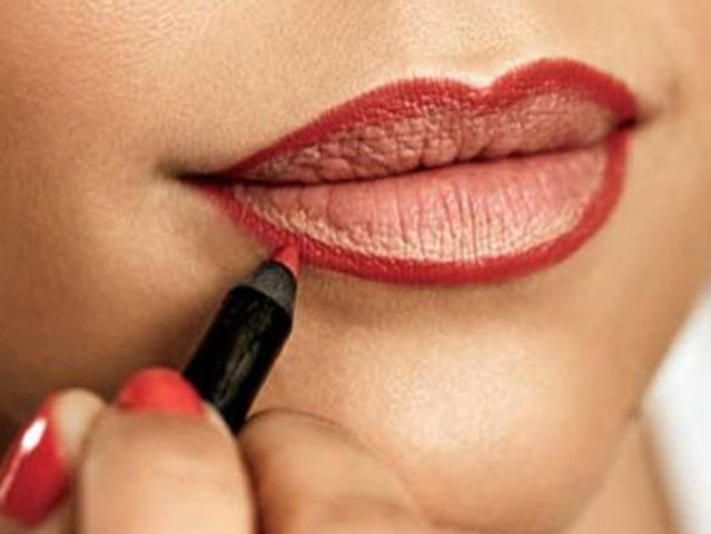 This is Lip Liner! People use it to outline their lips for a better-defined, longer lasting lipstick look.