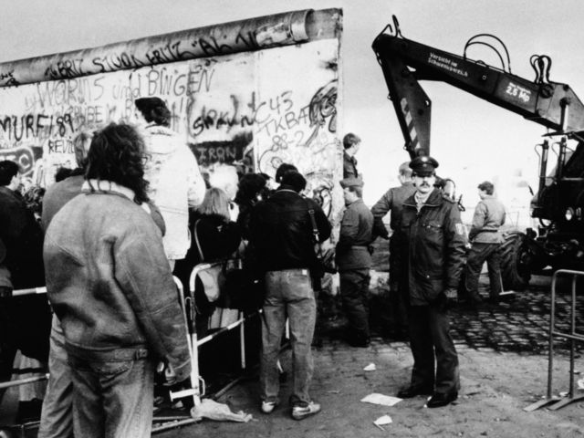 Destruction Of The Berlin Wall Cold War: The Iron Cur...