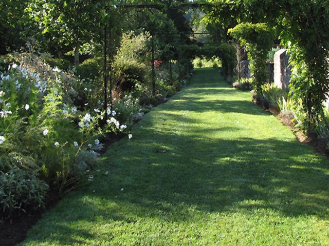 connaissez vous les jardins et les parcs de bourgogne playbuzz. Black Bedroom Furniture Sets. Home Design Ideas