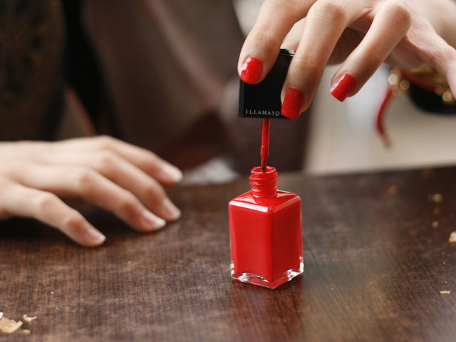 There Is KFC Flavored Nail Polish So You Can Always Taste The ...