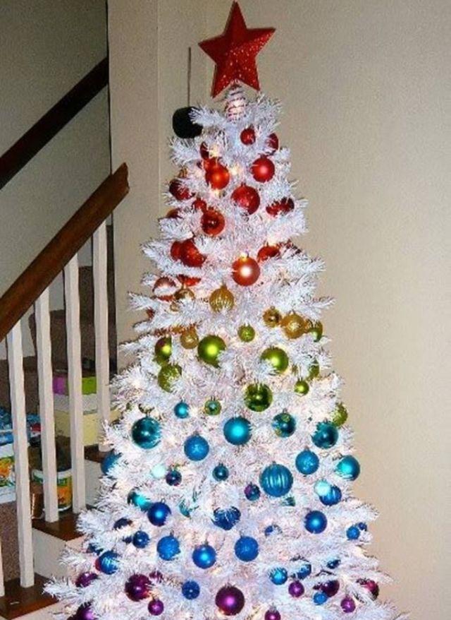 Naughty or Nice? Christmas Tree Edition! | Playbuzz