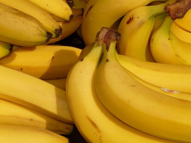 True. Bananas contain potassium-40, but it's a harmless amount.