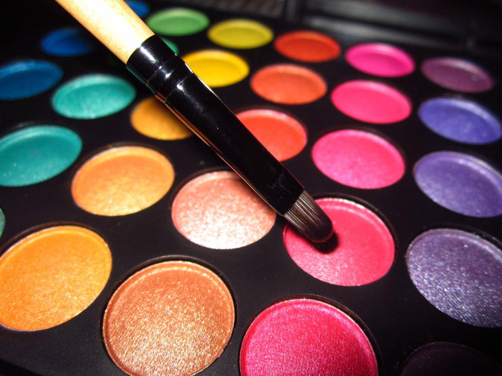 Makeup Items Wallpaper Makeup Vidalondon