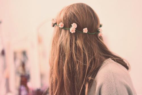 Hasil gambar untuk back hairstyle girls