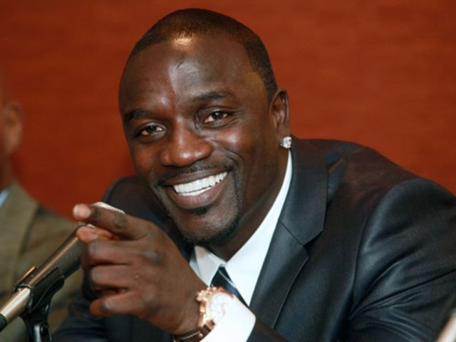 is akon muslim or christian