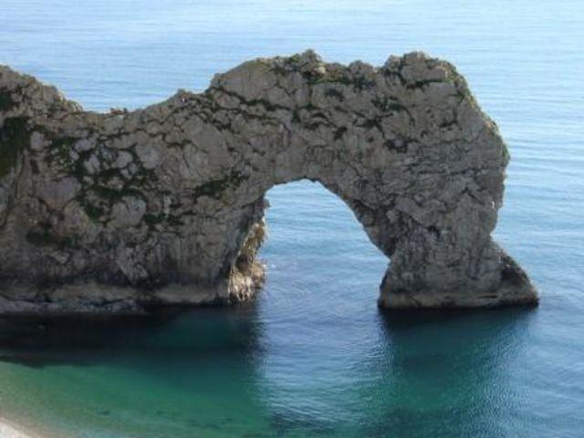 Что обычно получается, когда обрушивается прибрежная арка?