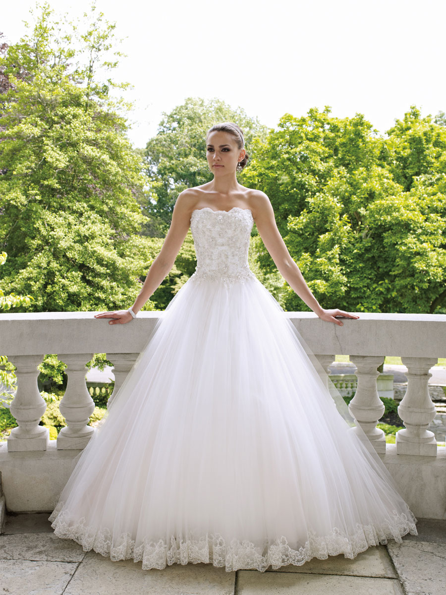 What Style Wedding Dress Is For You? | Playbuzz