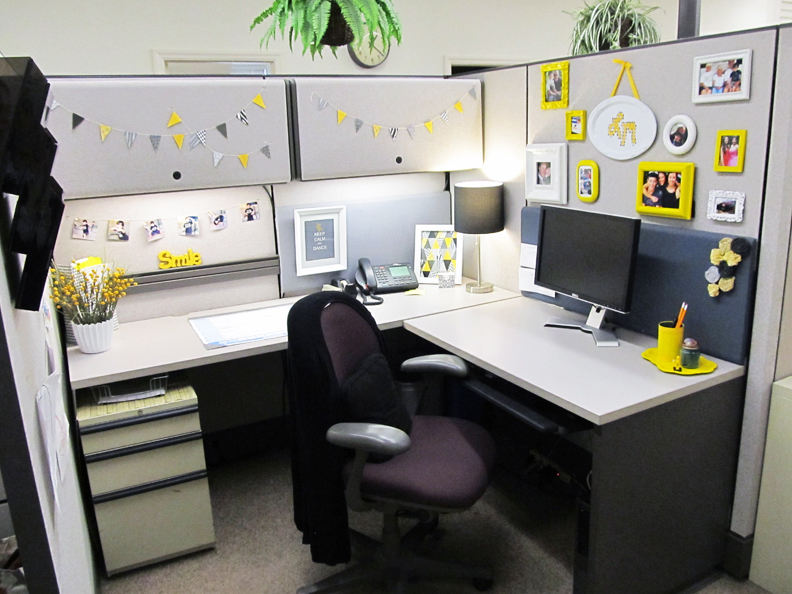 what does your desk say about you playbuzz brave professional office decorating ideas