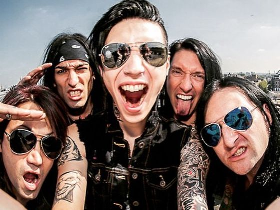Who are the members of black veil brides dating