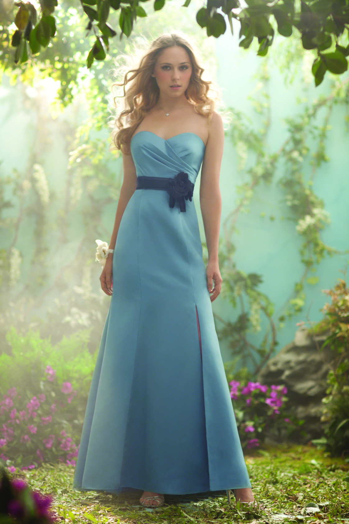 Disney bridesmaids dresses images braidsmaid dress cocktail what kind of wedding is right for you and your so playbuzz ombrellifo images ombrellifo Choice Image