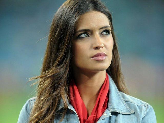 Самая сексуальная жена футболиста. Рейтинг читателей «Бомбардира»