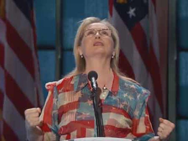 """A atriz discursou a favor de Hillary na Convenção Democrata em julho: """"Ela será a primeira [presidente mulher], mas não a última"""", disse"""