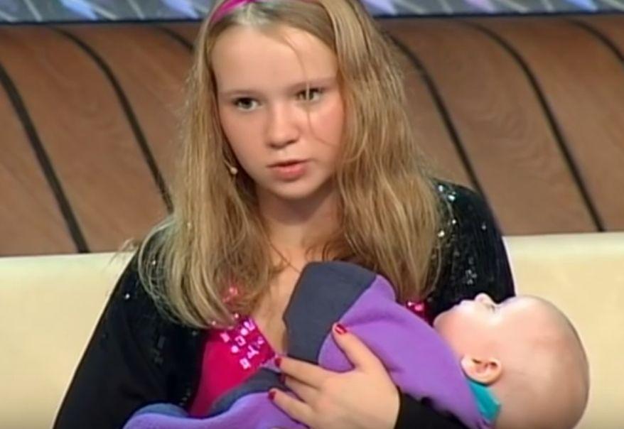малолетняя школьница порно онлайн