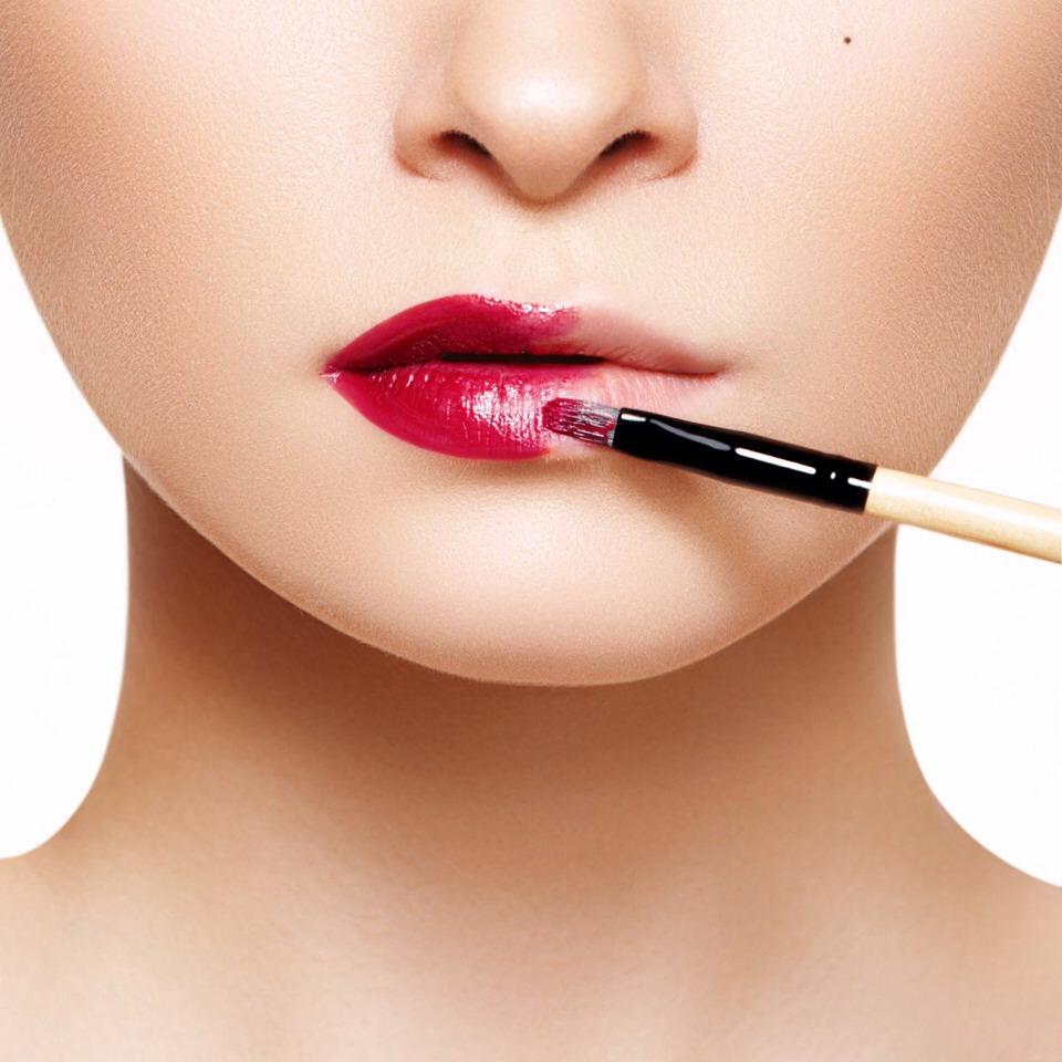 نتيجة بحث الصور عن Lipstick Brush