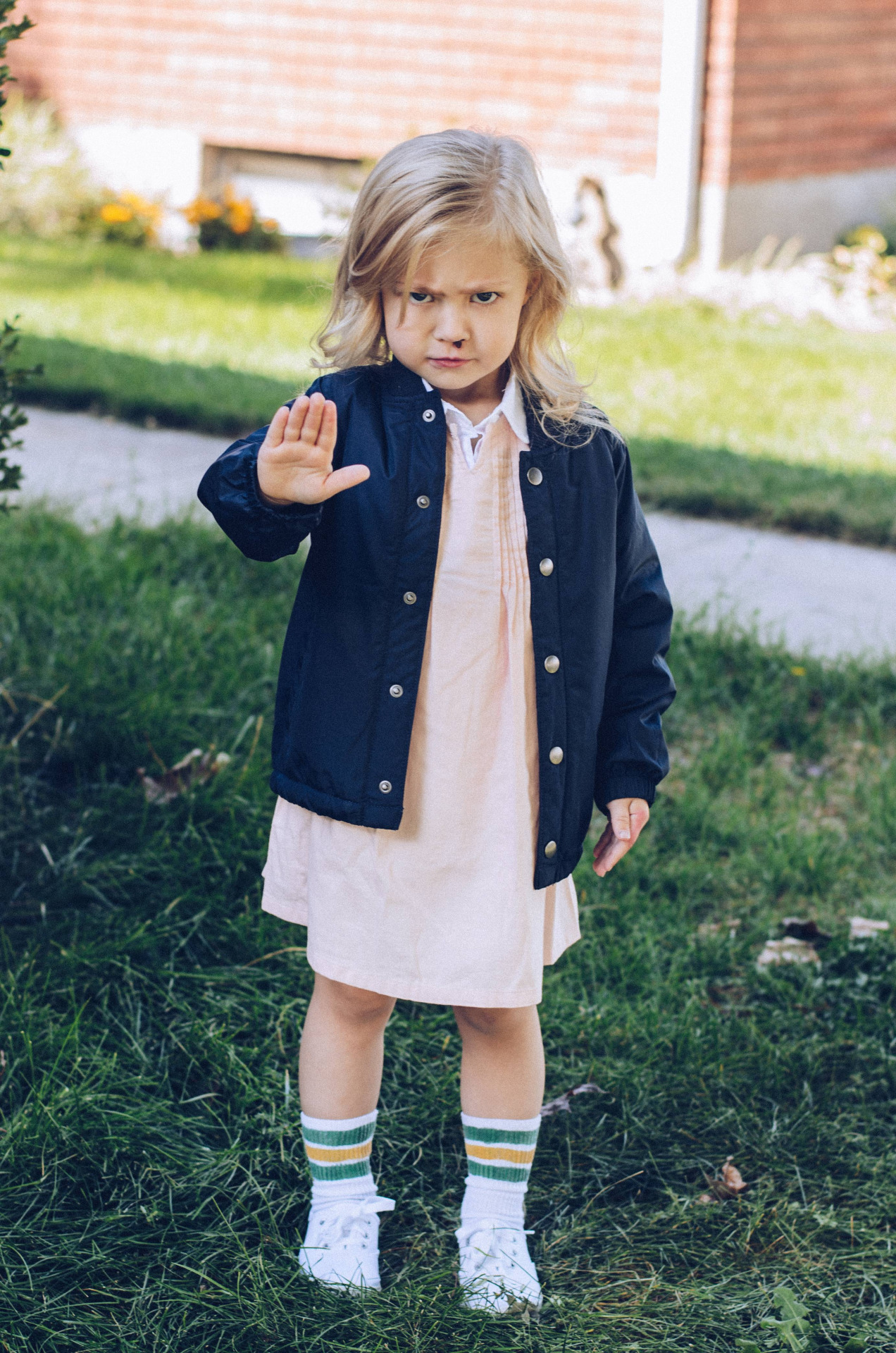 How To Make The Stranger Things Kids Costume For Halloween Brit Co