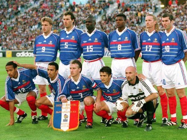 Equipe de france chimbonda anelka ben arfa etaient - Coupe du monde 1994 equipe de france ...