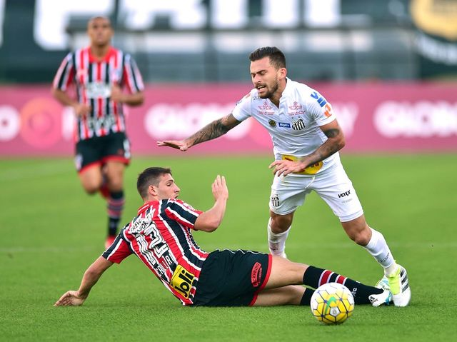 No dia 26 junho, o São Paulo foi atropelado pelo Santos no Pacaembu. Quem foi expulso naquela partida?