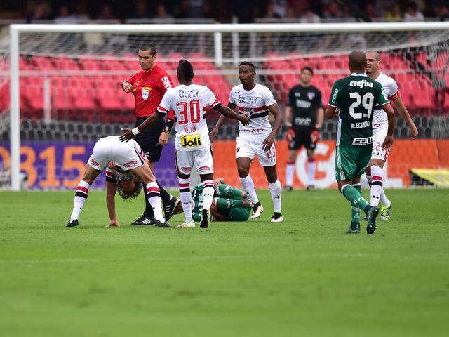A única vitória em clássicos ocorreu no dia 29 de maio, contra o Palmeiras, no Morumbi. Quanto foi o jogo?