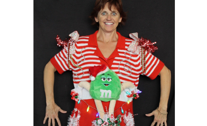 10 Ugly Christmas Sweaters | Playbuzz