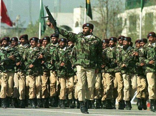 06. Πακιστάν - 630.400 στρατιωτικό προσωπικό