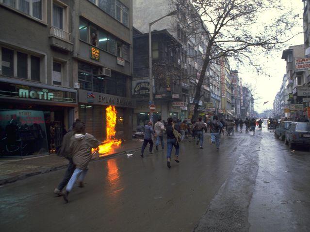Έκρηξη σε εμπορικό της Κωνσταντινούπολης - 25 Δεκεμβρίου 1991