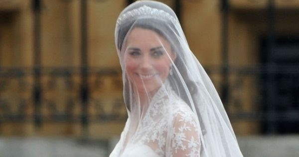 Ranking The 10 Best Royal Wedding Dresses Throughout ... - photo #43