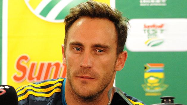 Faf du Plessis Raising Pune Supergiants IPL9 team player