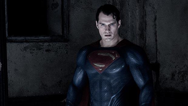 роль бэтмена в фильме бэтмен против супермена