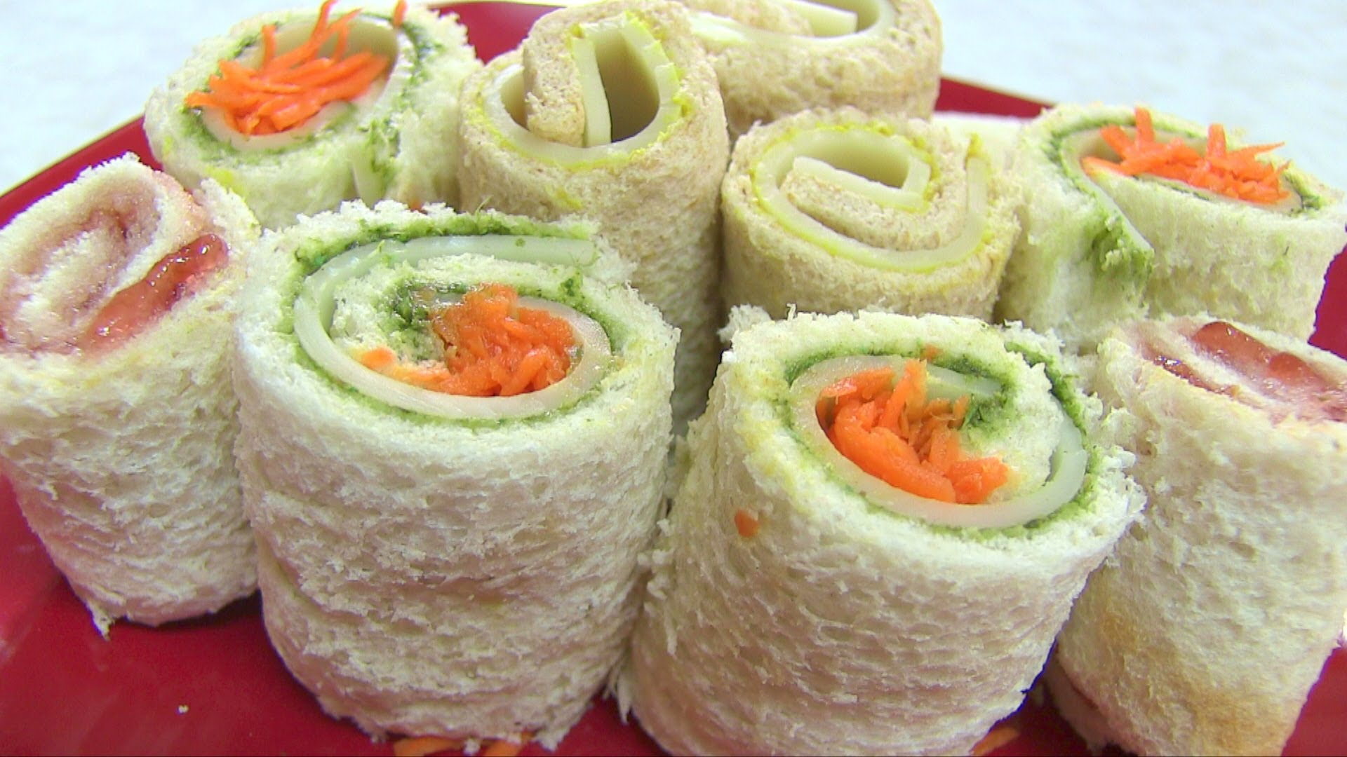 Youll want to make your own easy peasy sandwich rollups after this youll want to make your own easy peasy sandwich rollups after this video playbuzz forumfinder Choice Image