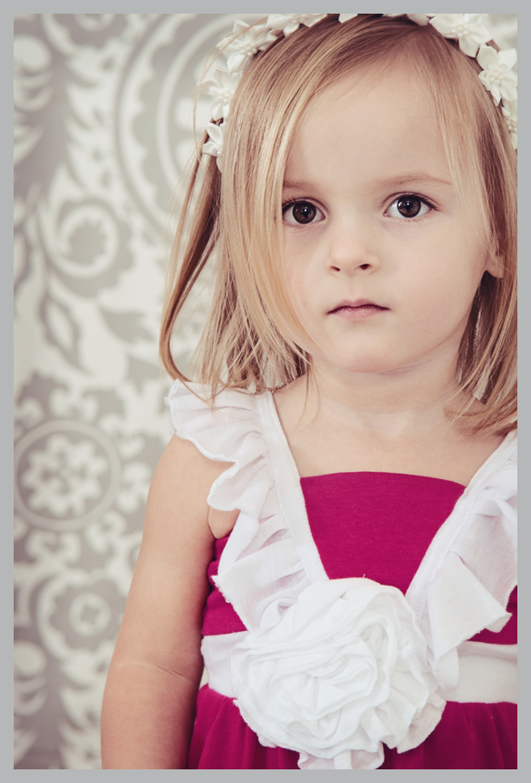 Little Girl With Blonde Hair And Brown Eyes Www Pixshark