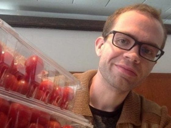 This Man Spends Only $2 75 On Food A YEAR - Could You Live