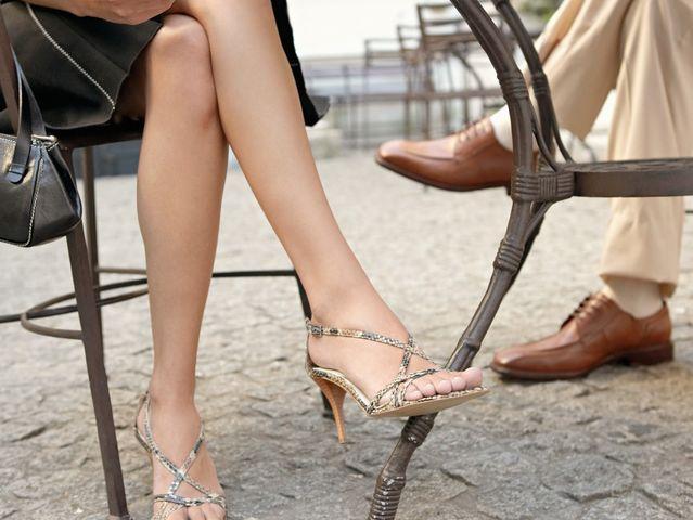 Фото женщин нога за ногу эта